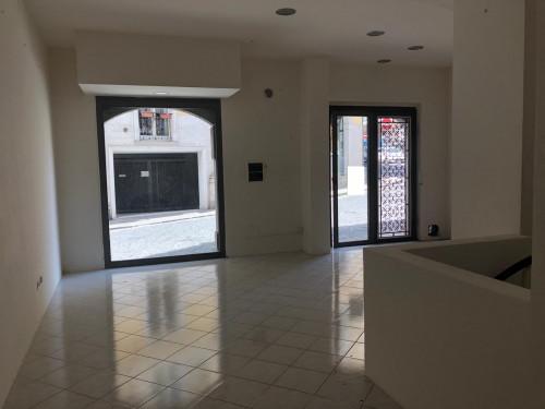 Vai alla scheda: Locale Commerciale Affitto - Avellino (AV) - Rif. L. commerciale