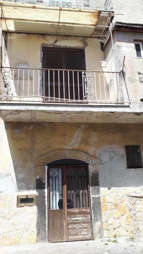 Vai alla scheda: Casa indipendente Vendita - Castello di Cisterna (NA) - Rif. 192694