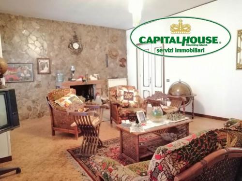 Vai alla scheda: Casa indipendente Affitto - Montoro (AV) - Rif. 8526