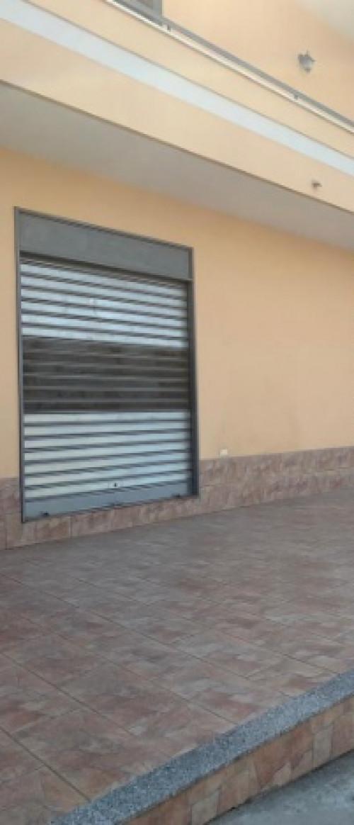 Vai alla scheda: Locale Commerciale Affitto - Casapulla (CE) - Rif. 600LC
