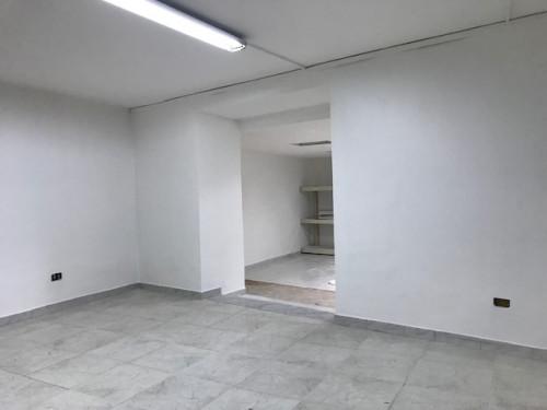 Vai alla scheda: Locale Commerciale Affitto - Santa Maria Capua Vetere (CE)   Zona DC - Rif. 550TAR