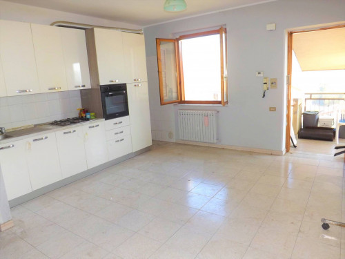Vai alla scheda: Appartamento Affitto - Atripalda (AV) - Rif. 8606