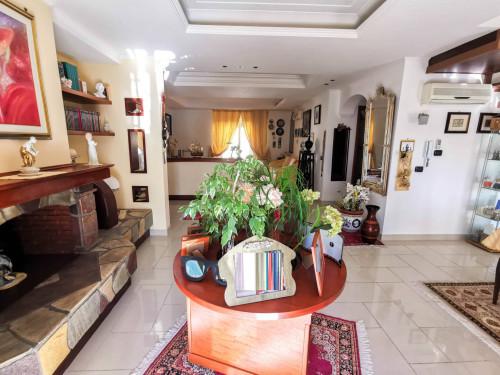 Vai alla scheda: Duplex Vendita - San Prisco (CE) | Zona Piscina - Rif. 280DUPLEX