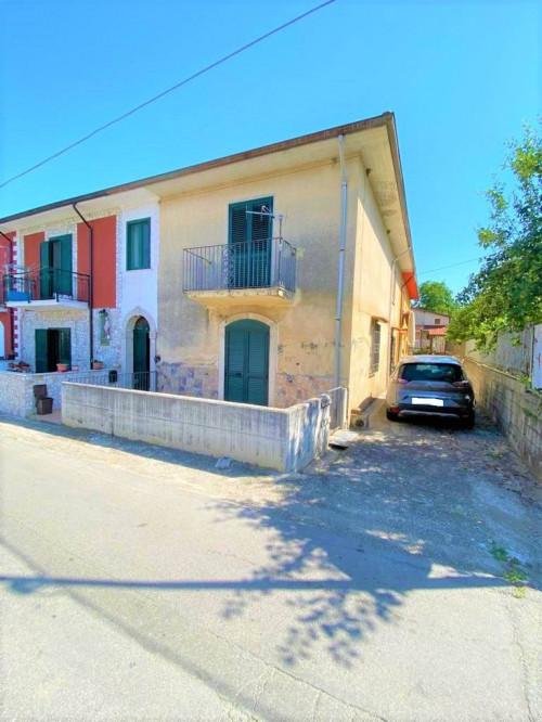 Vai alla scheda: Casa Semindipendente Vendita - Cesinali (AV) - Rif. 8631