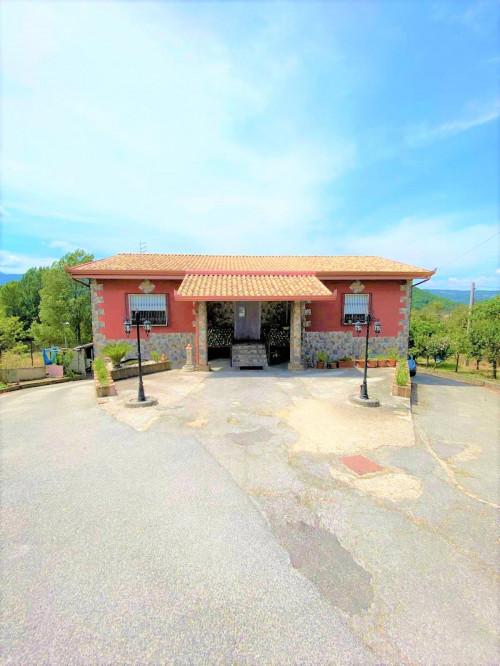 Vai alla scheda: Villa singola Vendita - Atripalda (AV) - Rif. 8633