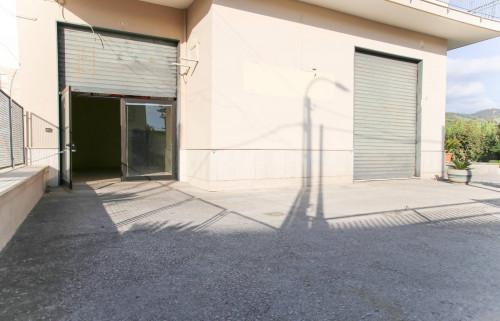 Vai alla scheda: Locale Commerciale Affitto - San Paolo Bel Sito (NA) - Rif. 8216