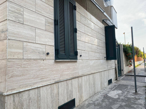 Vai alla scheda: Ufficio Affitto - Afragola (NA) | Zona Marconi/Liceo - Rif. 8448