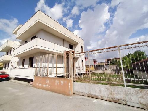 Vai alla scheda: Locale Commerciale Affitto - Castello di Cisterna (NA) - Rif. 110