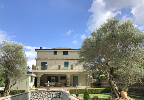 Vai alla scheda: Villa singola Vendita - Monteforte Irpino (AV) | Campi - Rif. 11096