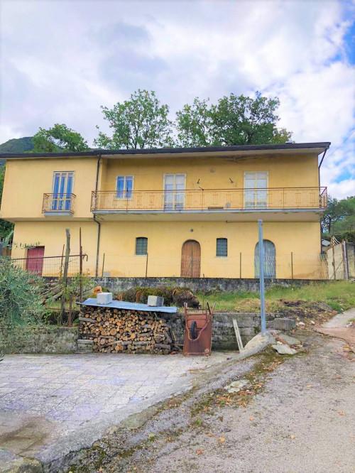 Vai alla scheda: Casa indipendente Vendita - Chiusano di San Domenico (AV) - Rif. 8643