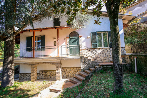 Vai alla scheda: Casa indipendente Vendita - Moschiano (AV) - Rif. 190583