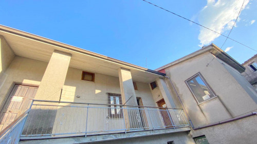 Vai alla scheda: Casa Semindipendente Vendita - Forino (AV) - Rif. 11167