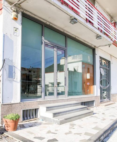 Vai alla scheda: Locale Commerciale Affitto - San Paolo Bel Sito (NA) - Rif. 8224