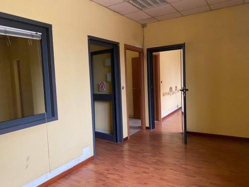 Vai alla scheda: Ufficio Affitto - Afragola (NA) | Zona Amendola - Rif. 8498