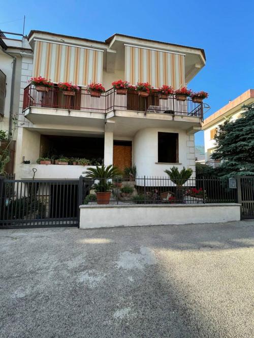 Vai alla scheda: Casa Semindipendente Vendita - Avella (AV) - Rif. 190555