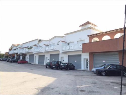 Vai alla scheda: Locale Commerciale Affitto Pomezia