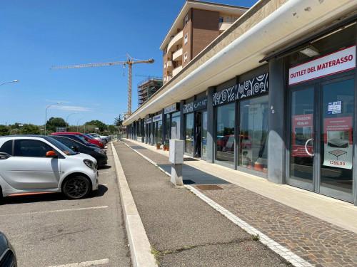 Vai alla scheda: Locale Commerciale Affitto Viterbo