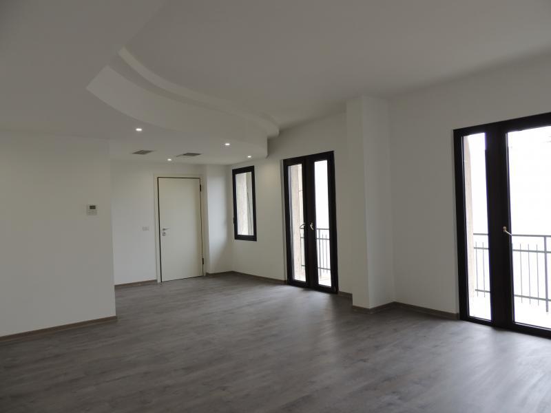 Ufficio / Studio in affitto a Riccione, 9999 locali, zona Località: CENTRO, prezzo € 15.000 | Cambio Casa.it