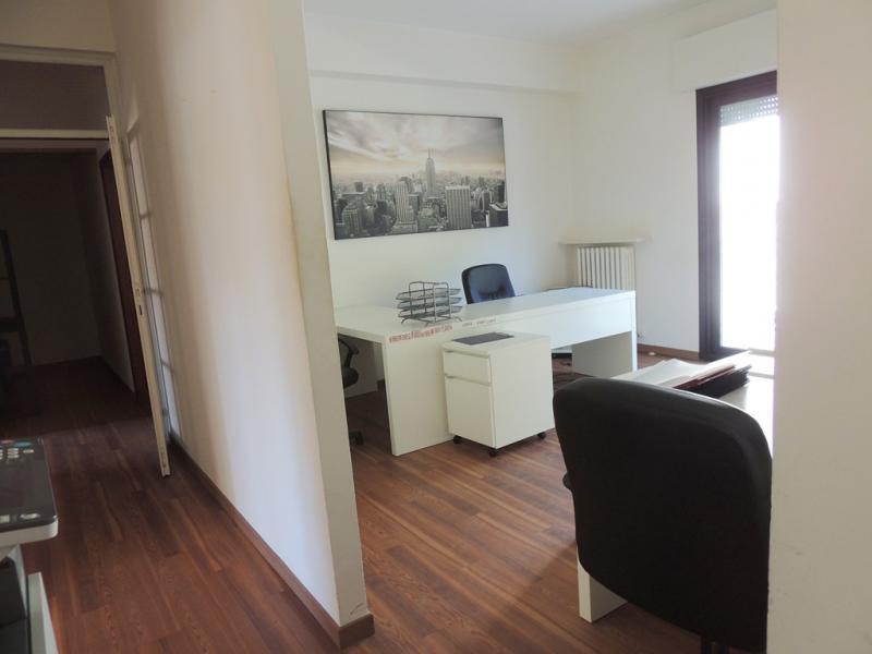 Ufficio / Studio in affitto a Riccione, 9999 locali, zona Località: CENTRO, prezzo € 18.000 | Cambio Casa.it
