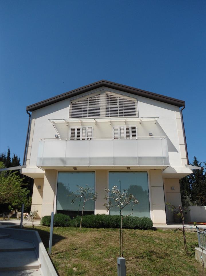 Villa in affitto a Misano Adriatico, 5 locali, zona Zona: Scacciano, Trattative riservate | Cambio Casa.it
