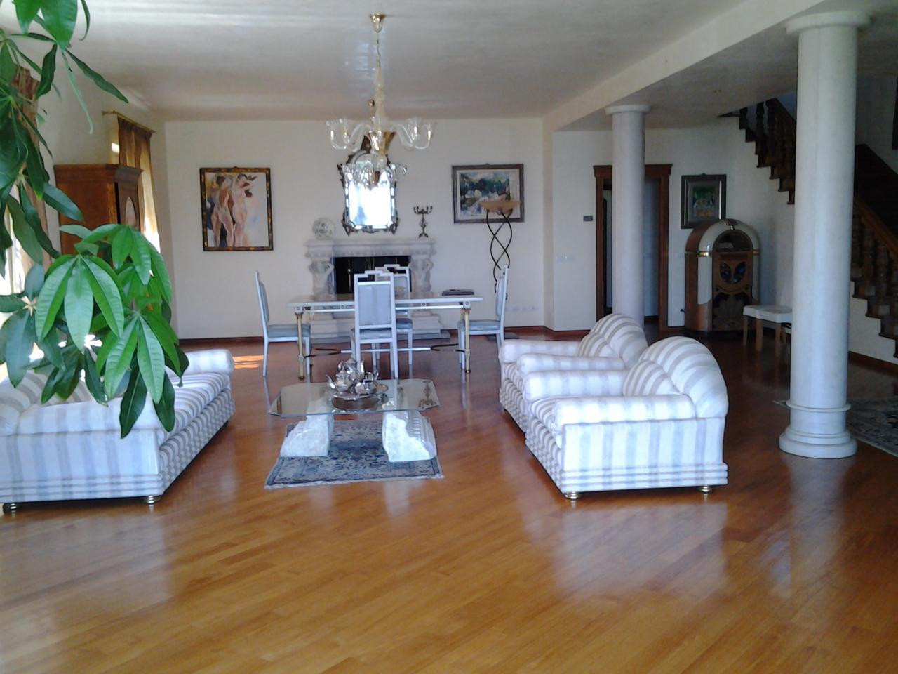 Villa in vendita a Prato, 20 locali, zona Zona: Figline, prezzo € 2.600.000 | Cambio Casa.it