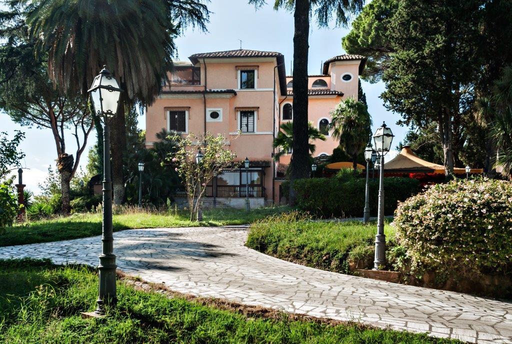 Cbi038 104 3409 villa singola in vendita a roma for Affitto roma parioli