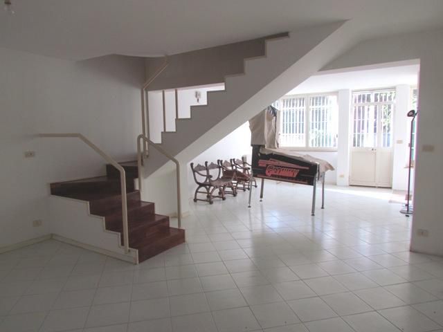 Villa in vendita a Altofonte, 8 locali, prezzo € 225.000 | Cambio Casa.it