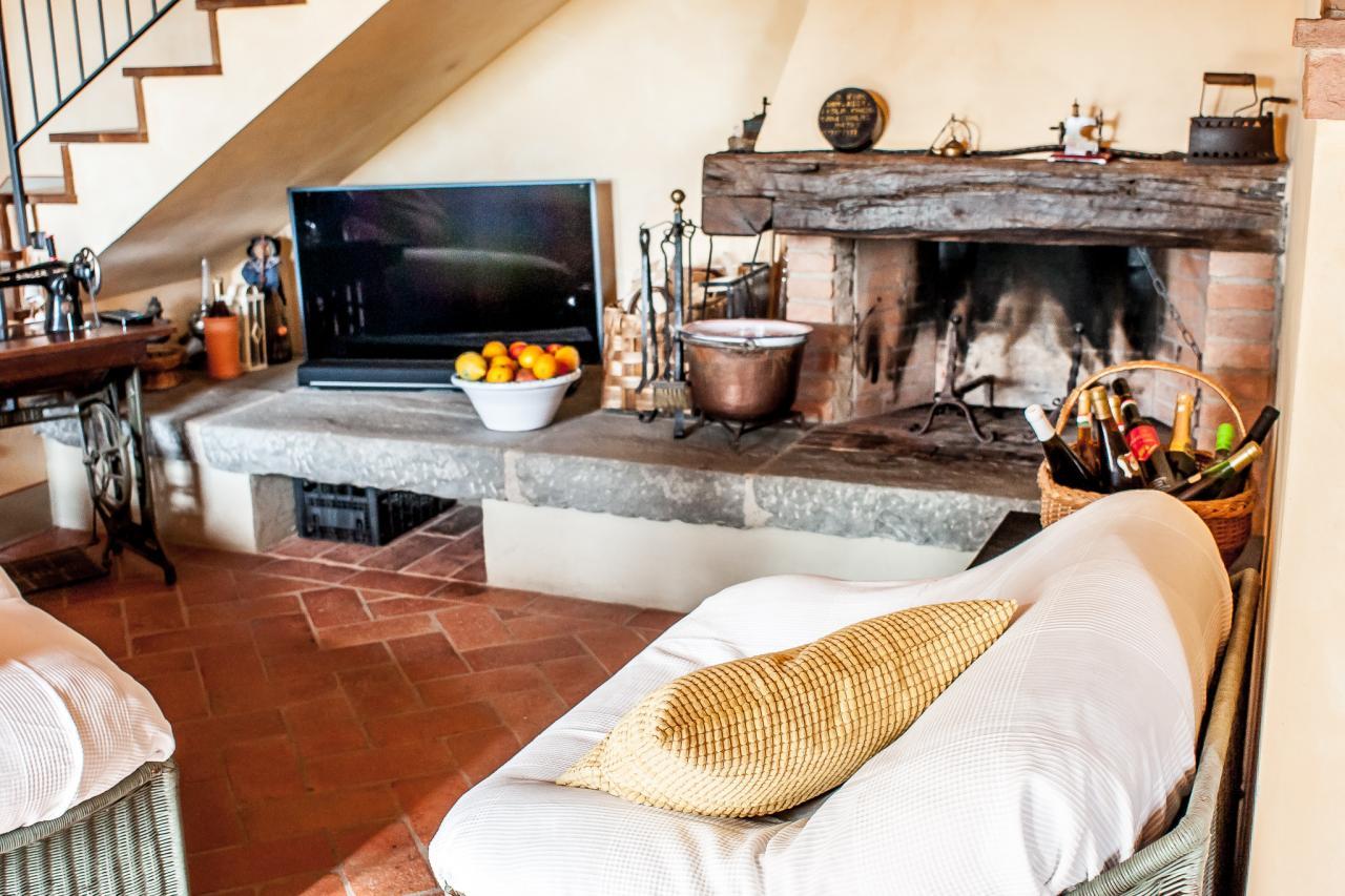 Villa in vendita a Montespertoli, 6 locali, prezzo € 350.000 | Cambio Casa.it