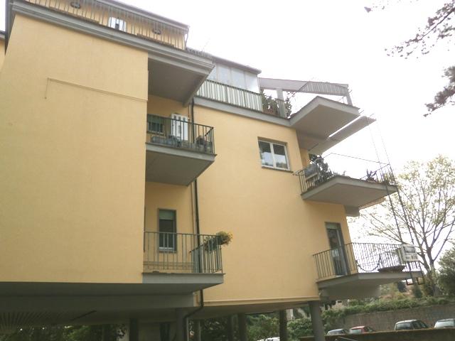 Appartamento in vendita a Fabrica di Roma, 6 locali, prezzo € 79.000 | Cambio Casa.it