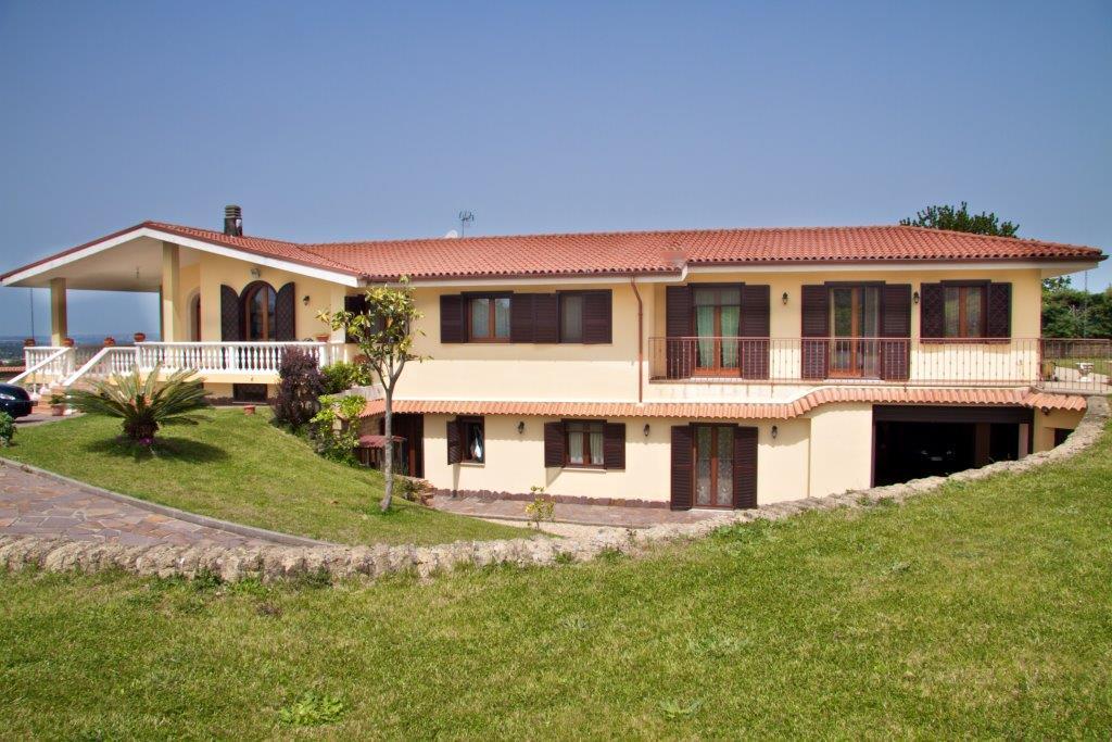 Villa in affitto a Marino, 14 locali, zona Località: MarinoCentro, prezzo € 4.500 | Cambio Casa.it