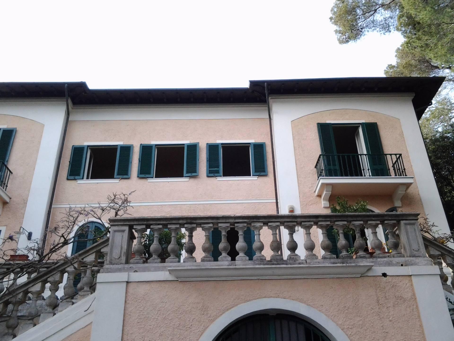Villa in vendita a Livorno, 16 locali, zona Zona: Quercianella, prezzo € 1.480.000 | Cambio Casa.it