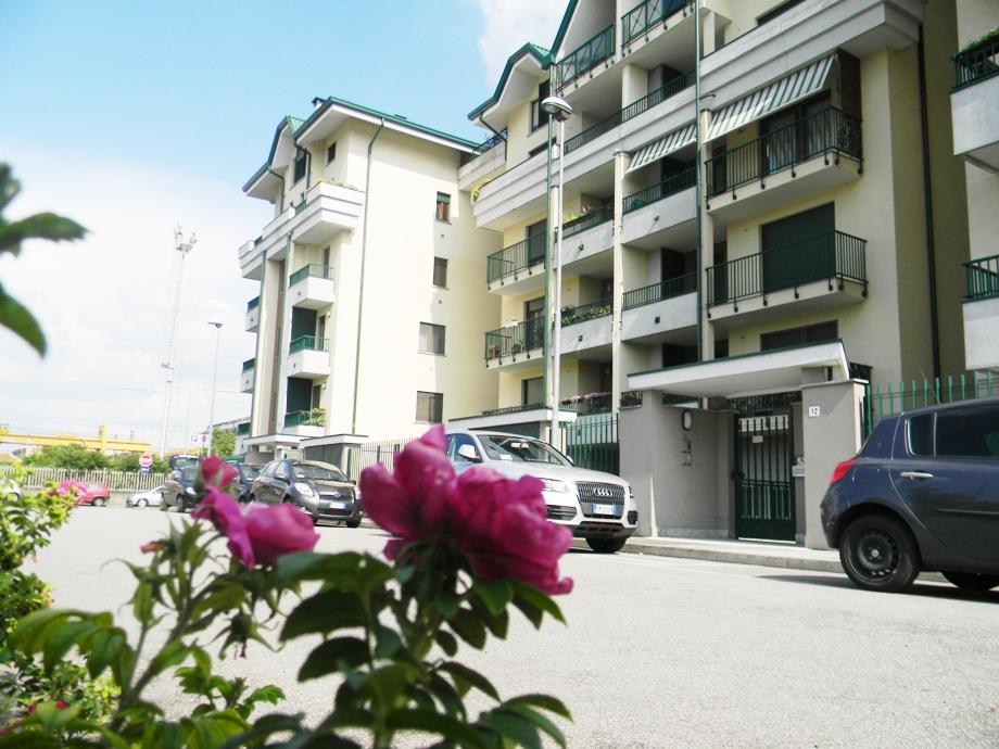 Appartamento in affitto a Legnano, 1 locali, zona Zona: Stazione, prezzo € 69.000 | CambioCasa.it