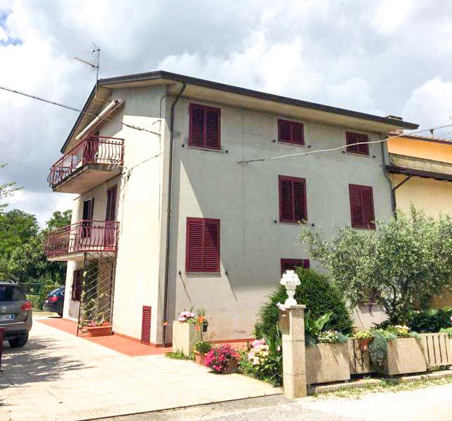 vendita appartamento assisi petrignano  88000 euro  3 locali  75 mq