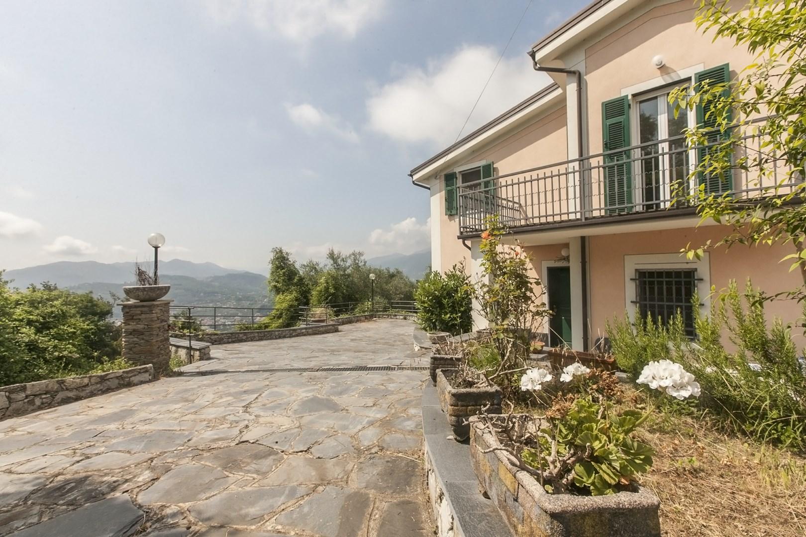 Villa in Vendita a Cogorno