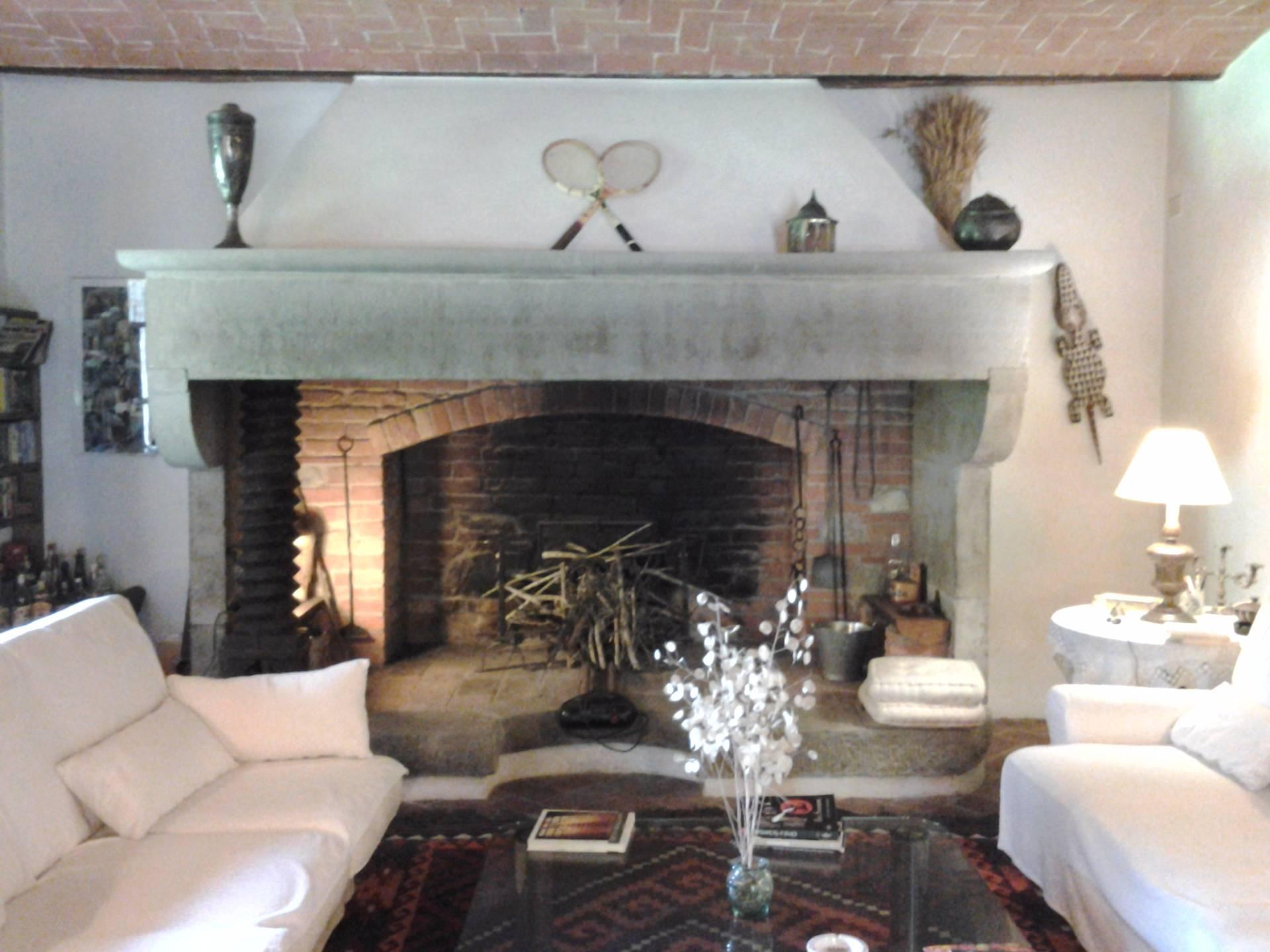 Rustico / Casale in vendita a Lucignano, 18 locali, zona Zona: Croce, prezzo € 1.700.000 | Cambio Casa.it