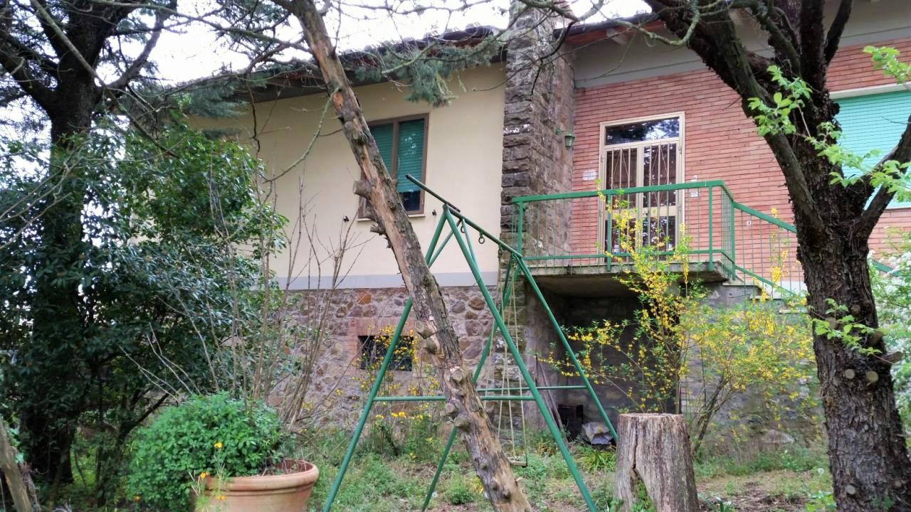 Villa in vendita a Castelnuovo Berardenga, 15 locali, prezzo € 550.000 | Cambio Casa.it