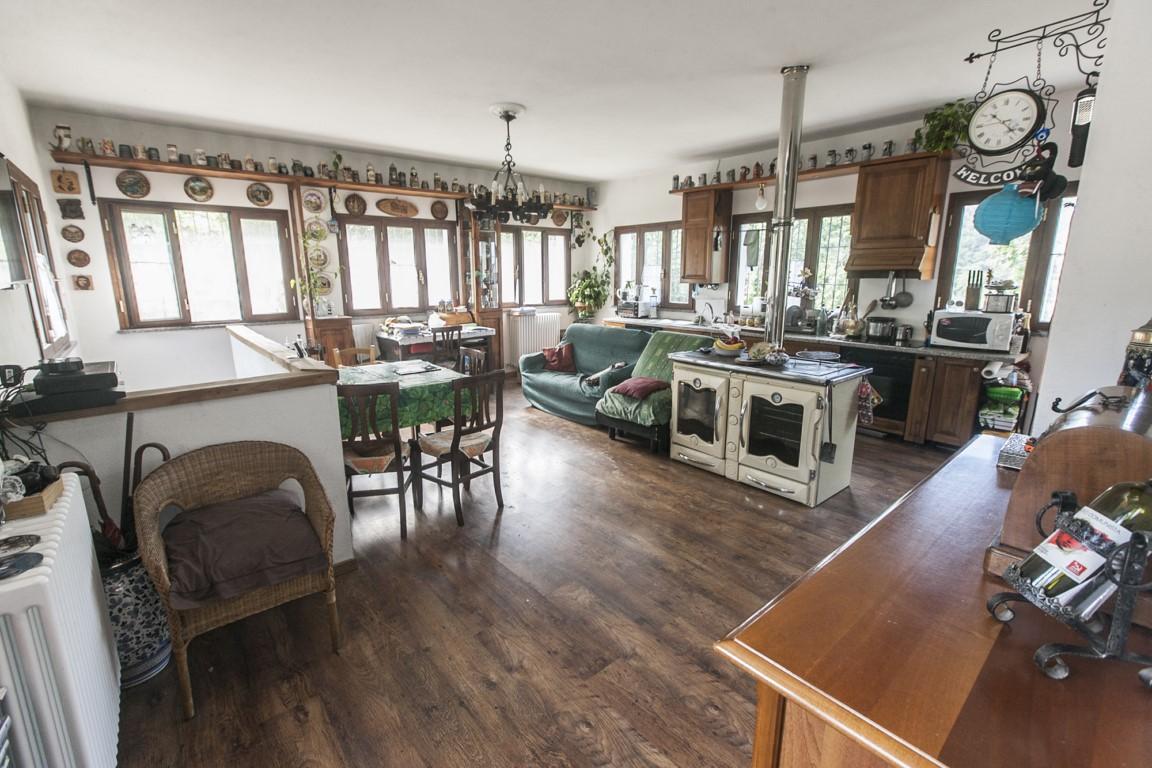 Soluzione Indipendente in vendita a Giusvalla, 11 locali, prezzo € 250.000 | Cambio Casa.it