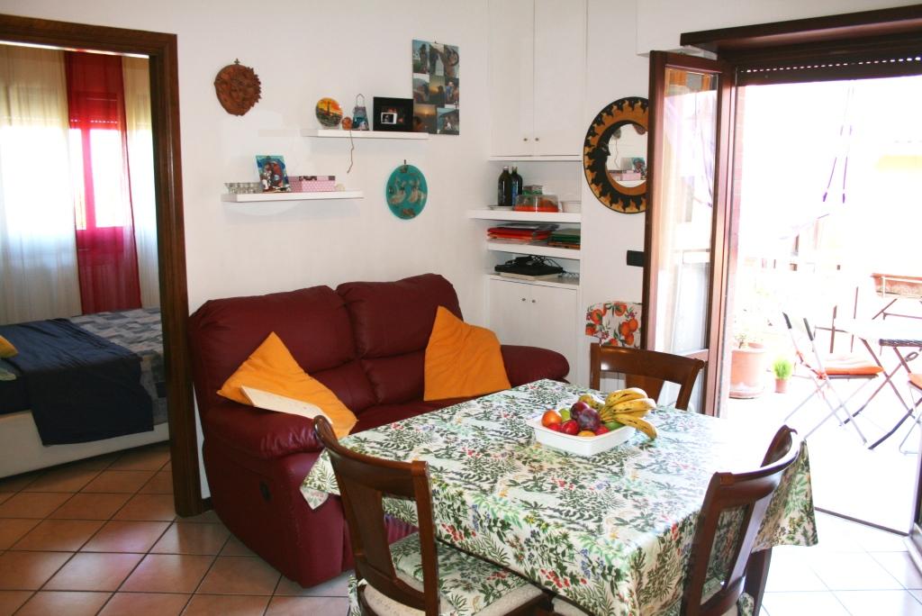 Bilocale Monterotondo Via Cacciatori Delle Alpi 5