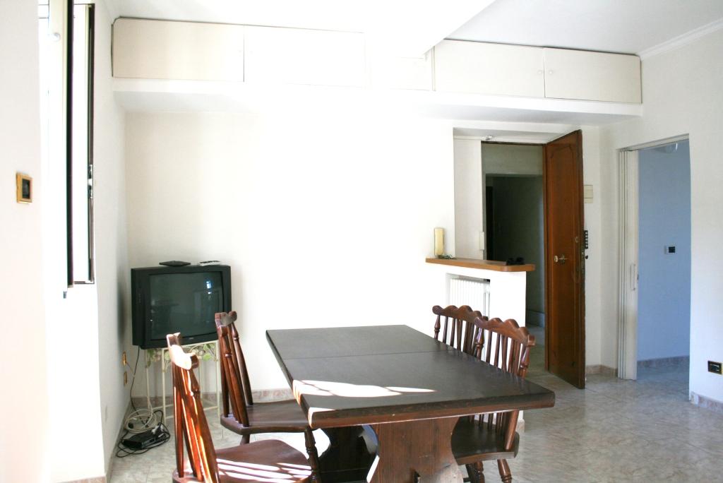 Bilocale Monterotondo Via Turati 3