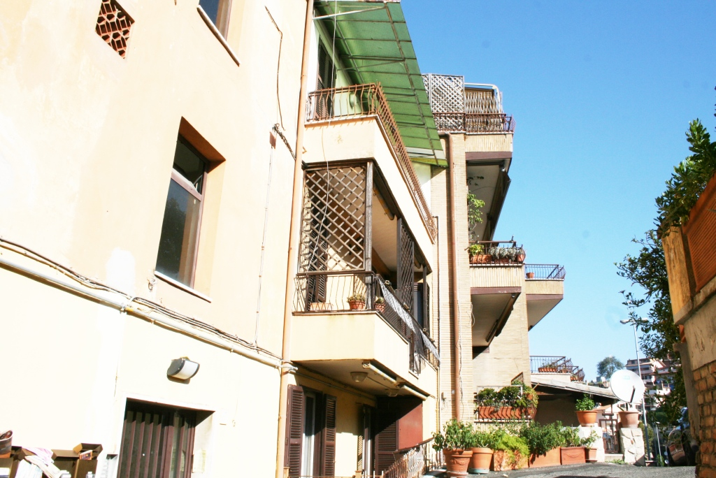 Bilocale Monterotondo Via Turati 10