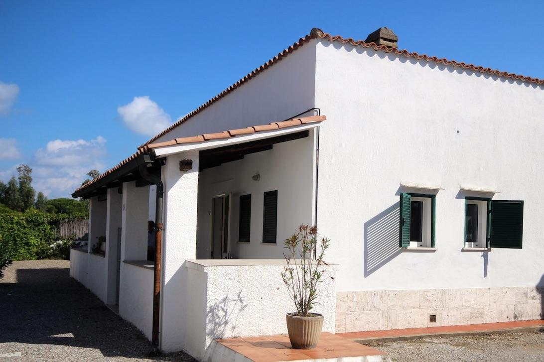 Cbi026 26 may 1324 casa indipendente in vendita a for Patio indipendente casa