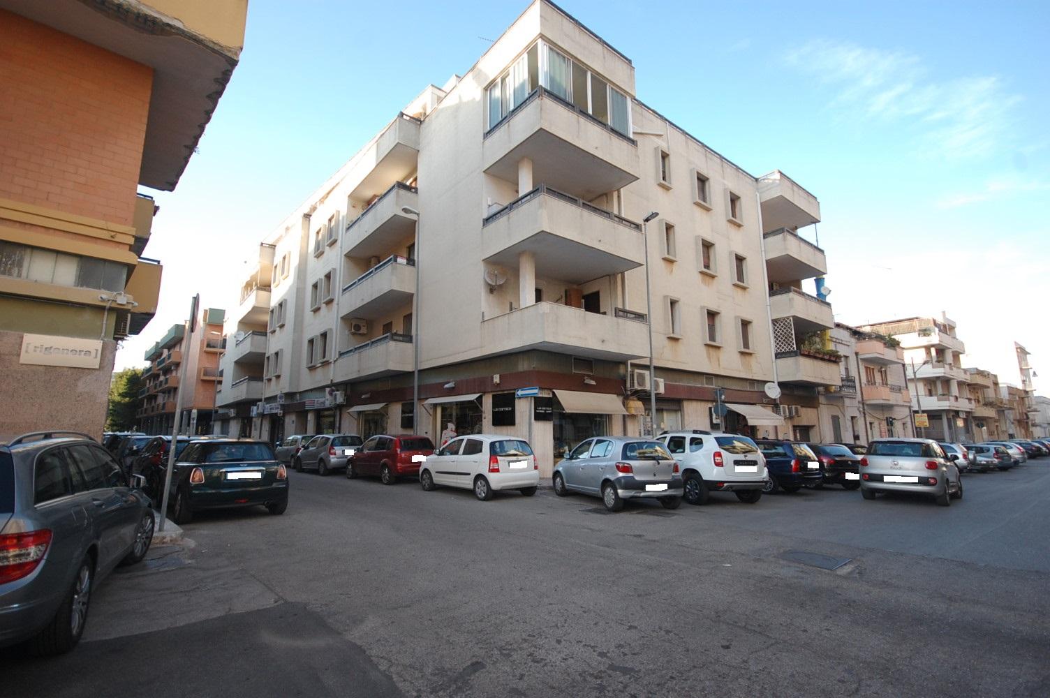 Appartamento in vendita a Brindisi, 5 locali, zona Zona: Commenda, prezzo € 135.000 | Cambio Casa.it
