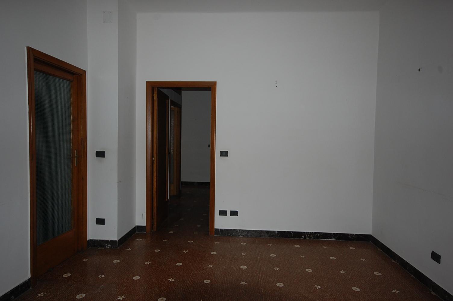 Palazzo / Stabile in vendita a Lecce, 10 locali, zona Zona: Mazzini, prezzo € 400.000 | Cambio Casa.it