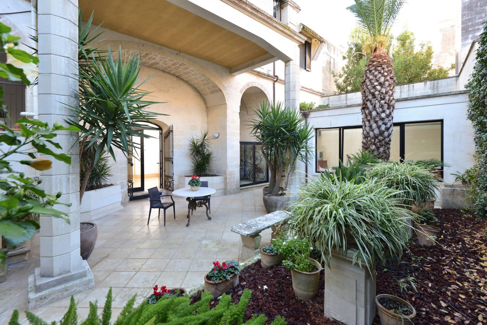 Appartamento, 580 Mq, Vendita - Lecce (Lecce)