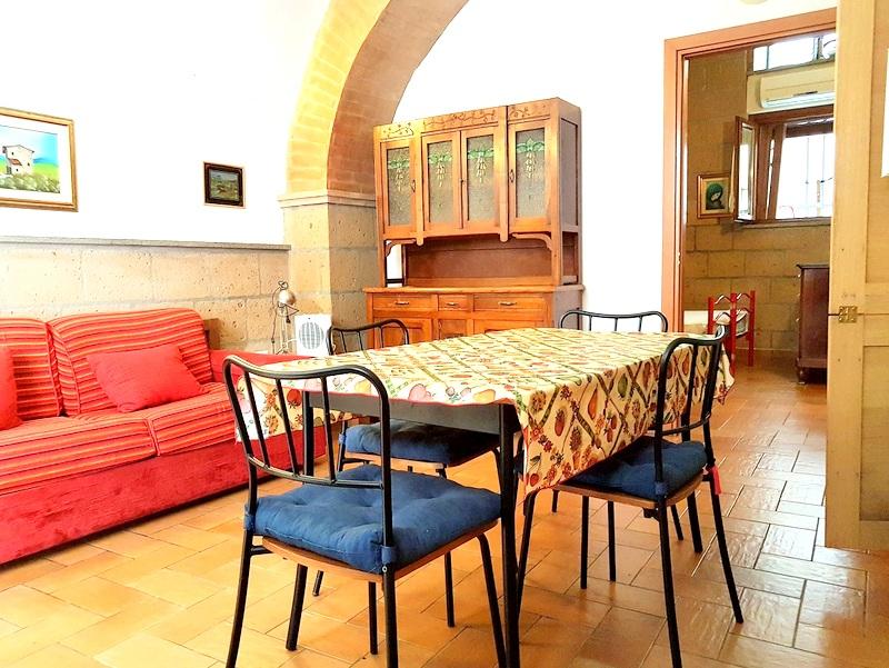 Appartamento in vendita a Tuscania, 2 locali, zona Località: centrostorico, prezzo € 55.000 | Cambio Casa.it