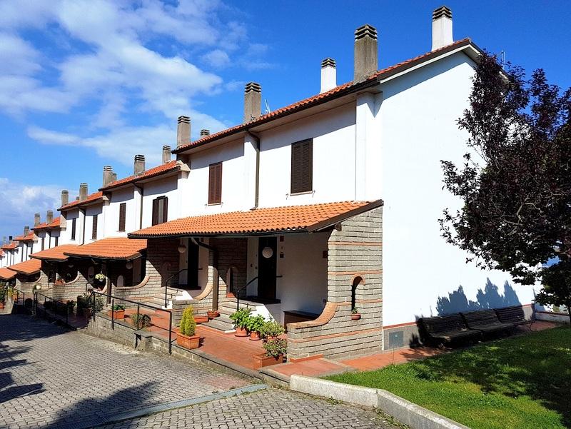 Villa a Schiera in vendita a Valentano, 3 locali, zona Località: VilladelleFontane, prezzo € 89.000 | Cambio Casa.it
