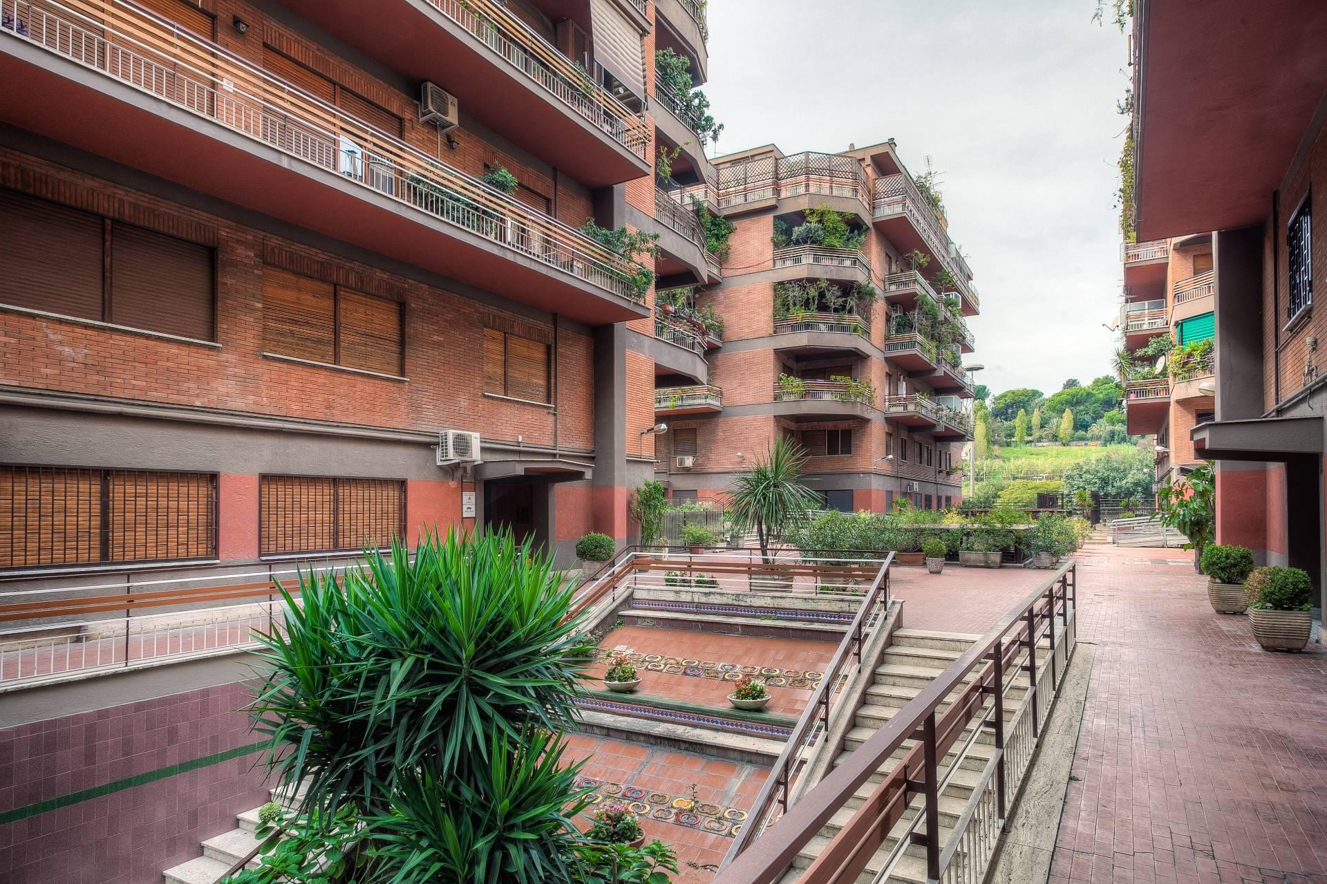Ufficio In Vendita Roma : Cbi tg ufficio in vendita a roma magliana coldwell