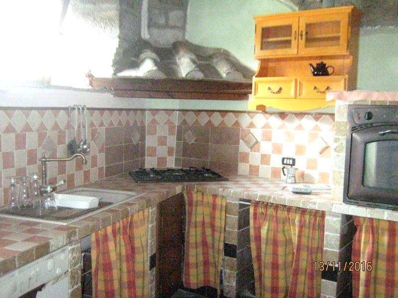 Appartamento in vendita a Soriano nel Cimino, 1 locali, prezzo € 15.000 | Cambio Casa.it