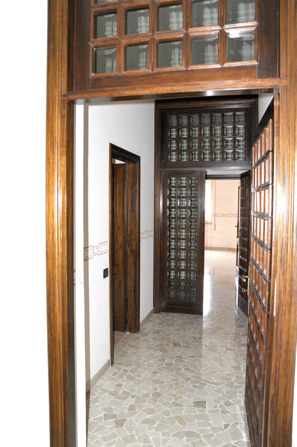 Cbi057 316 terni115 appartamento in vendita a terni for Vendita mobili terni