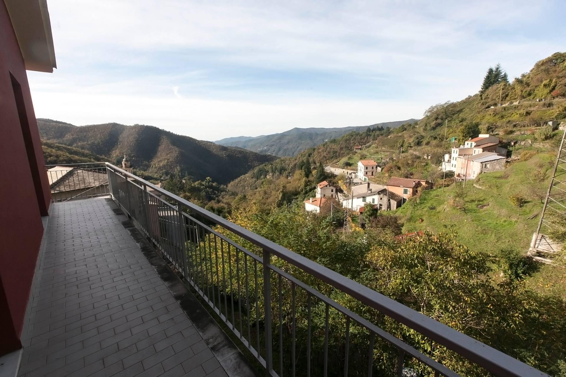 Soluzione Indipendente in vendita a Mezzanego, 6 locali, zona Località: SanSiroFoce, prezzo € 110.000   Cambio Casa.it